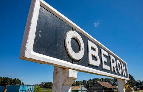 Image credit: Destination NSW - the Oberon railway platform sign